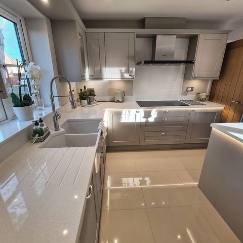Your buyer will imagine living luxuriously in this dressed kitchen